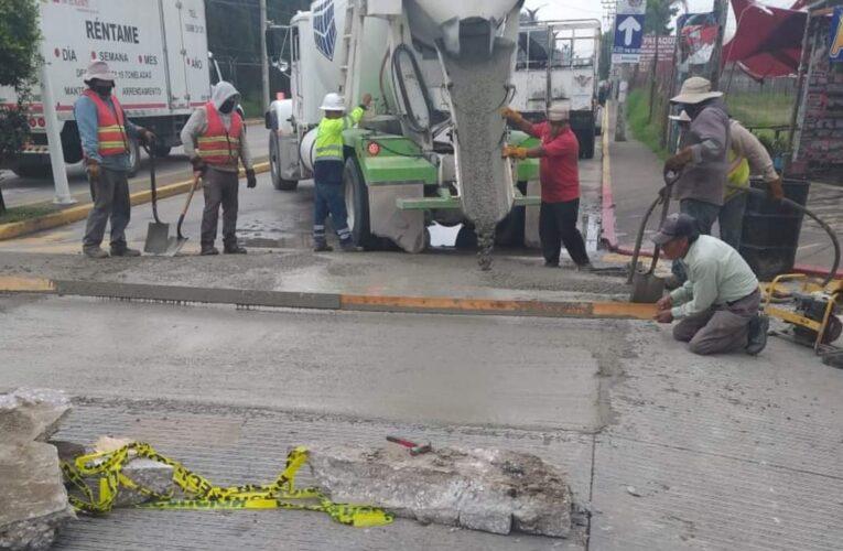 Realiza trabajos de rehabilitación con concreto hidráulico el ayuntamiento de Cuautlancingo.