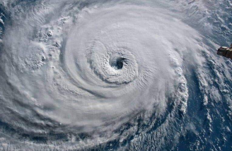 El Huracán #Delta desde el espacio, categoría 4,  🌎🛰.