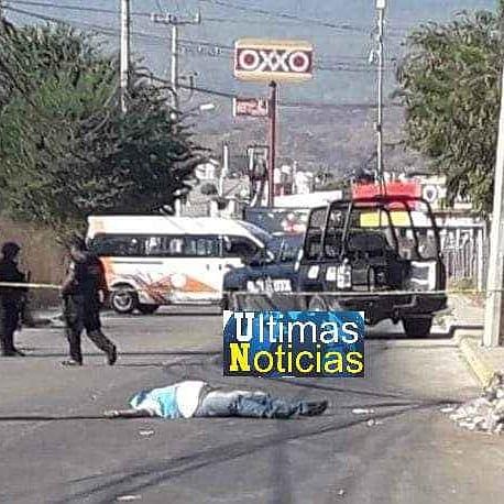 Asesinan a balazos a un taxista en Acapulco.