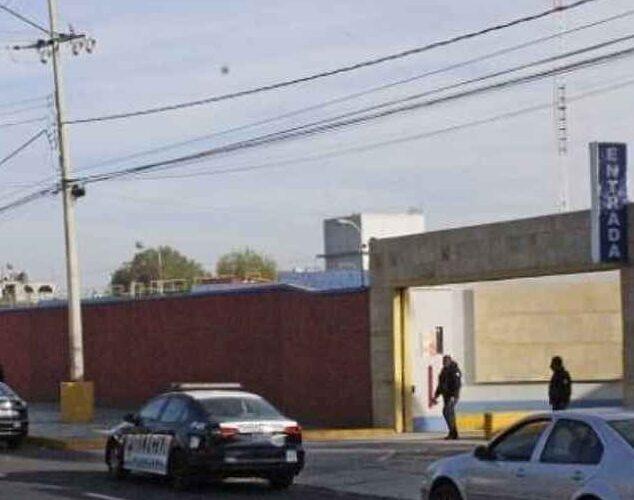 Encuentran muerta y amordazada a una mujer en motel de Puebla.