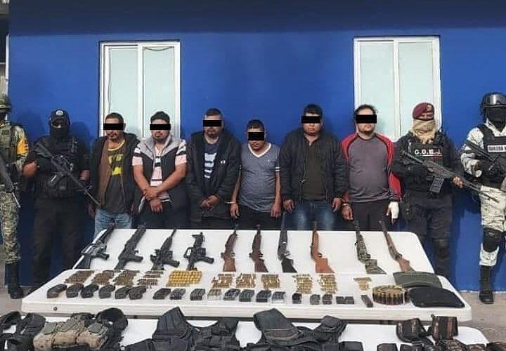 Asegura la Policía Estatal, SEDENA, Guardia Nacional y la FGE a 7 sujetos con armas en Teloloapan.