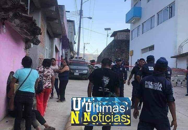 Muere joven en la calle por falta de atención en el hospital Básico Comunitario de Malinaltepec.