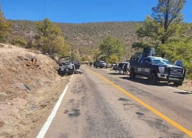 En Chihuahua; 4 policías muertos y 6 heridos en emboscada.