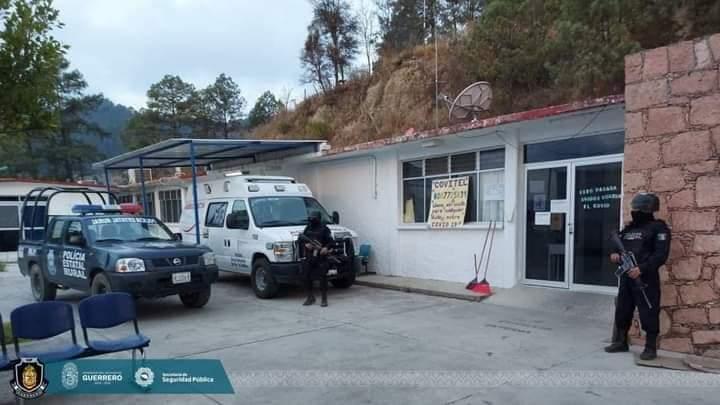 LA POLICÍA ESTATAL RURAL RESGUARDA EL HOSPITAL BÁSICO COMUNITARIO DE FILO DE CABALLOS.