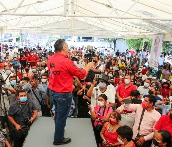 Se reunió con los priistas en Acapulco: Alejandro Moreno calificó de mentirosos y cínicos a los de Morena.
