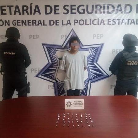 Capturan a presunto narcomenudista de banda criminal de Puebla.
