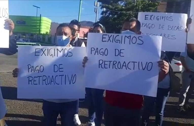 SE GENERALIZARON LAS PROTESTAS EN CHILPANCINGO: TOMA DE EDIFICIOS, PAROS LABORALES Y MARCHAS EN EXIGENCIA DE PAGOS